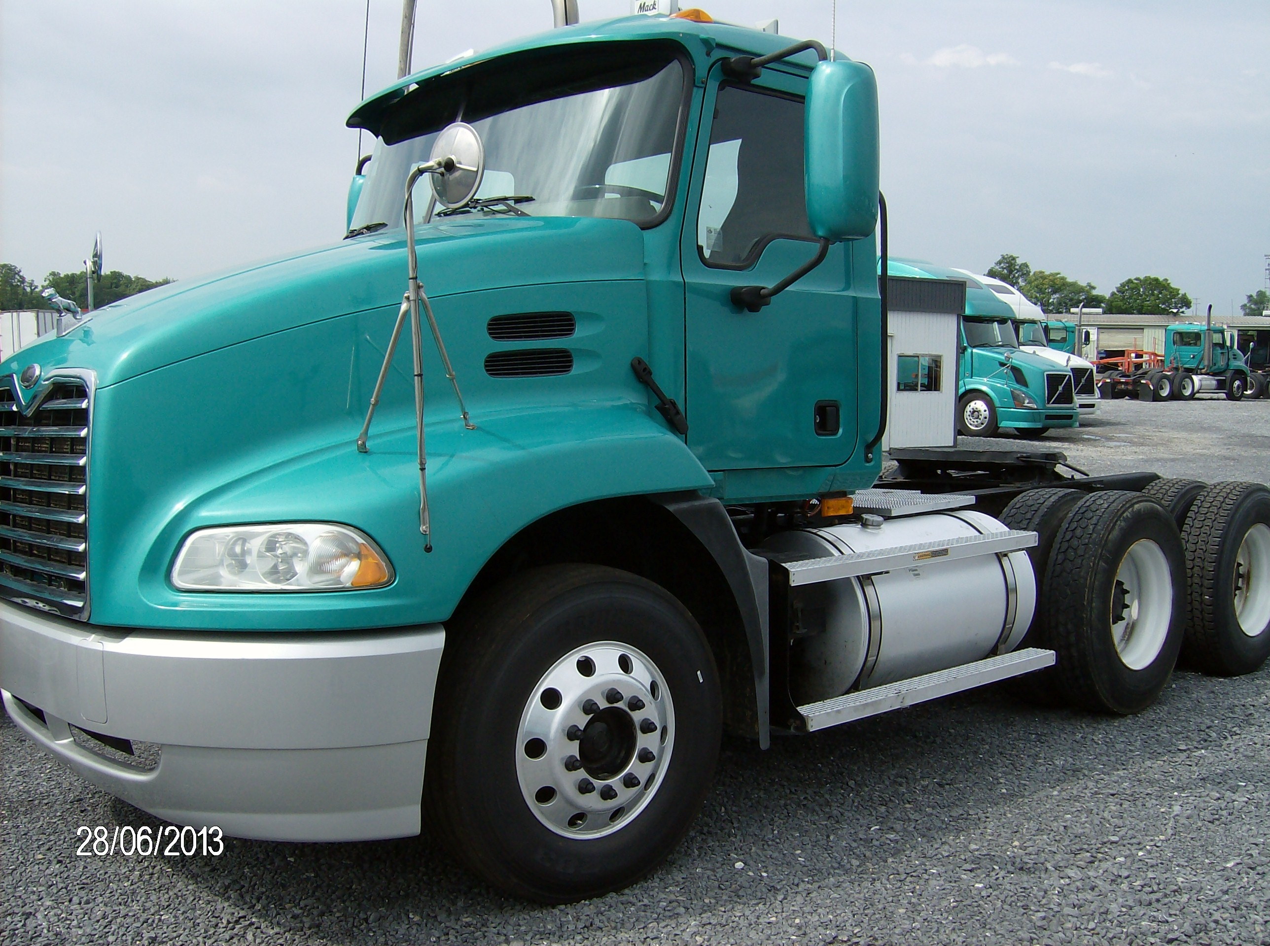 Used Day Cabs Semi Tractor