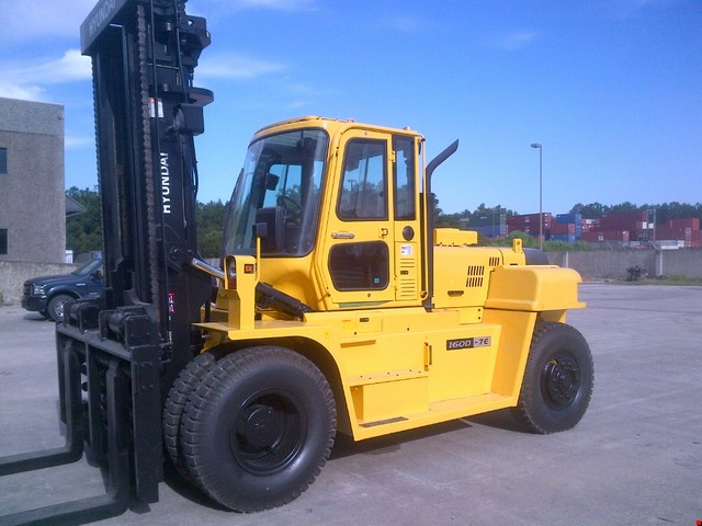 Used Forklifts - Heavy Lift 20,000lbs and Up - Export Specialist