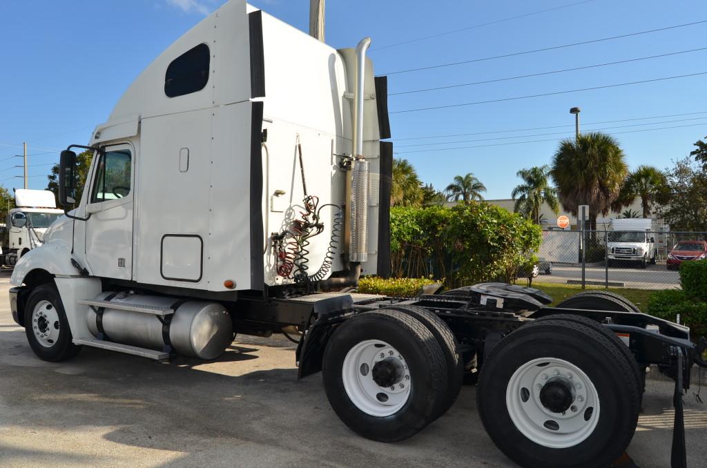 Used Tandem Axle Sleeper Cabs Semi Tractor Export Specialist